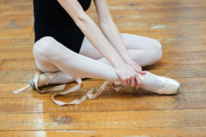 バレエで痛みに悩む女性