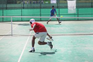 テニスのプレイ中の怪我