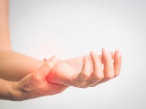 ばね指・腱鞘炎に苦しむ人